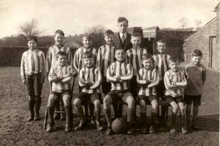 bstjamesfootballc1930.jpg